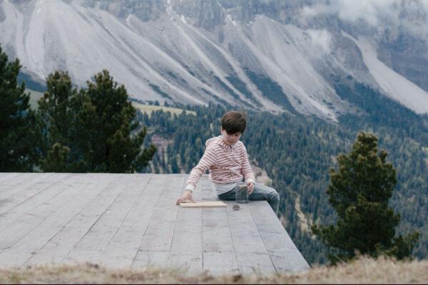 film-still-three-peaks-24